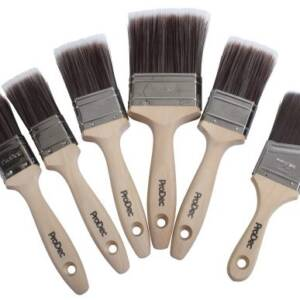 6 varying sized paint brushes with synthetic bristle heads